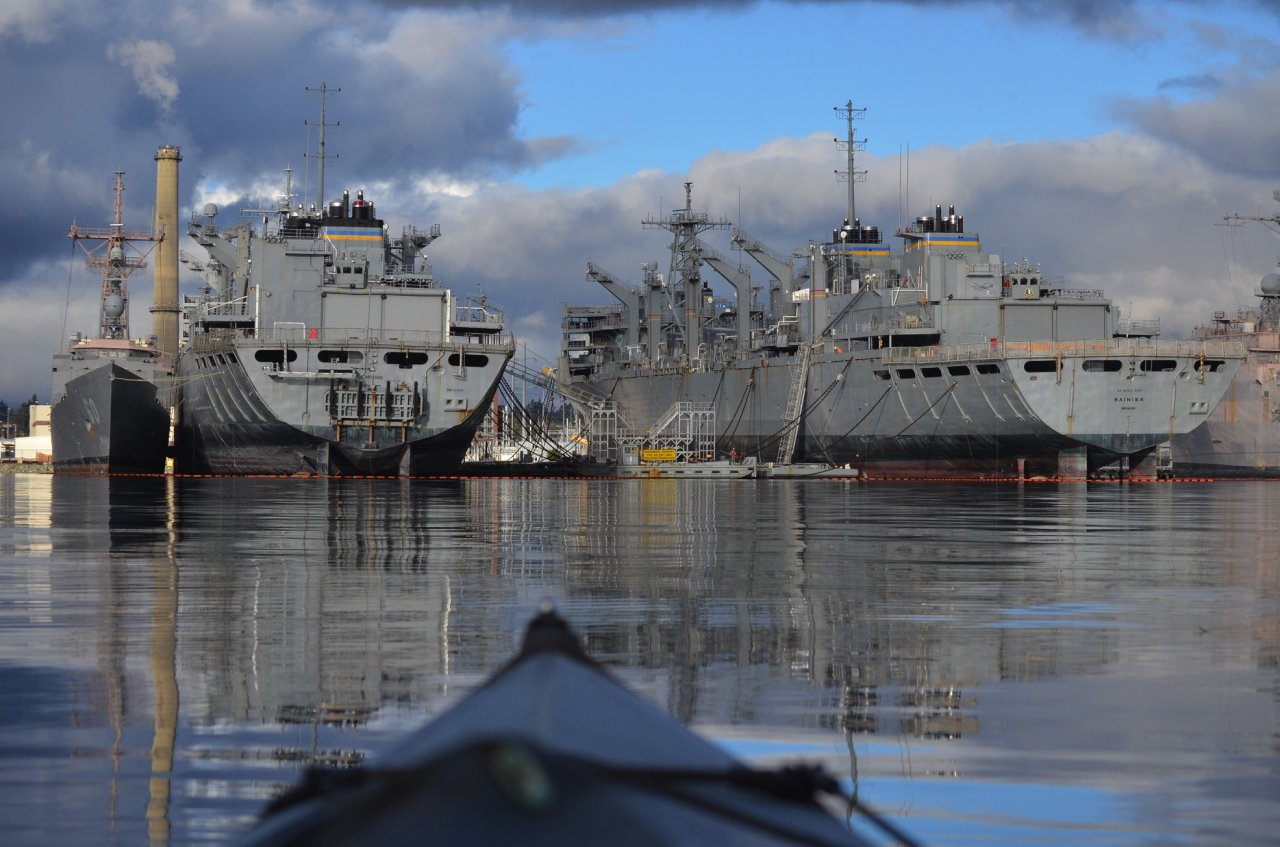 03 Fast combat support ships and decommissioned missile frigate.jpg