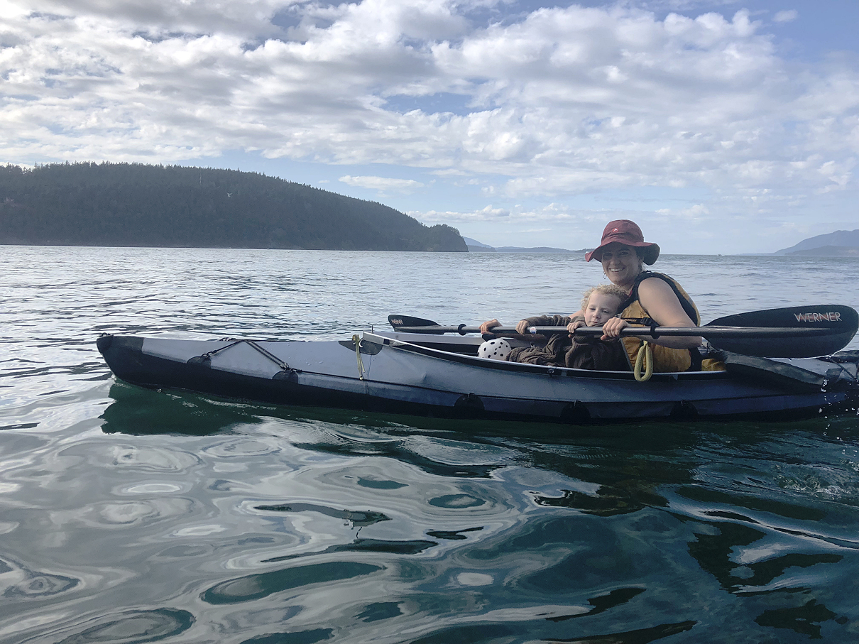 03 Maya switches to Rachels boat.jpg