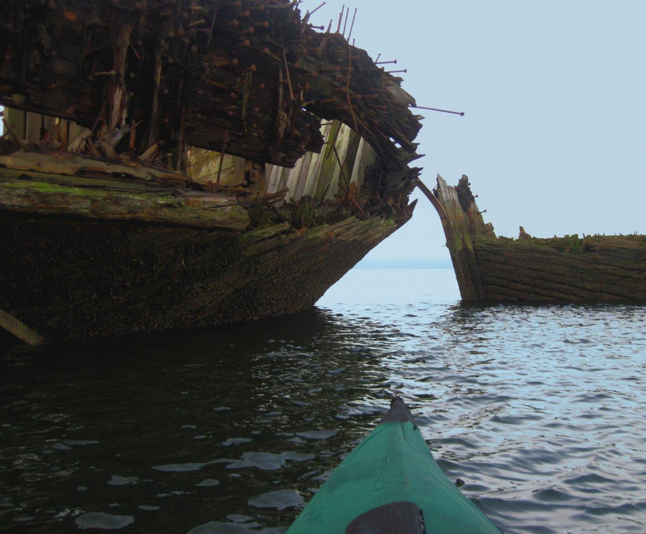 04 Through the wooden ships.JPG